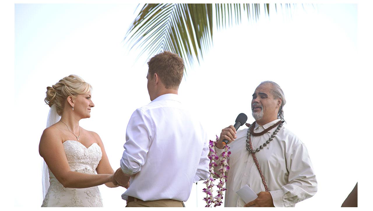 Hawaiian minister in Maui
