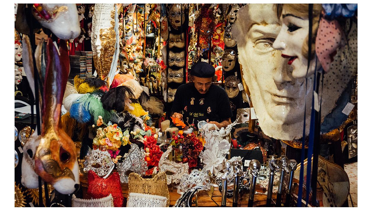 Venetian mask maker