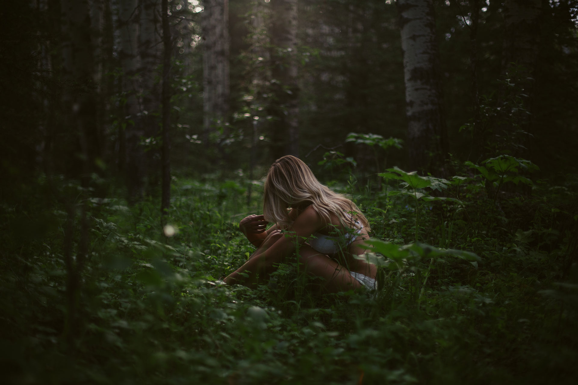 Alberta_Forest_Boudoir_Session
